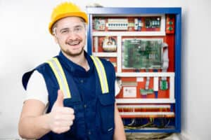 Gold Coast electrician giving the thumbs up